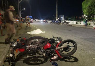 Um morto e três feridos, vítimas de colisão entre motos na Avenida Lomanto Júnior