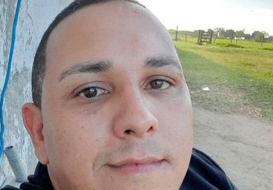 Família procura professor que desapareceu