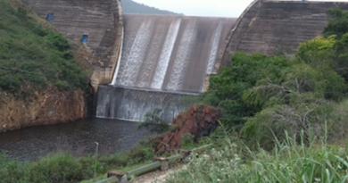Barragem de Pindobaçu transborda pela primeira vez no ano; veja vídeo